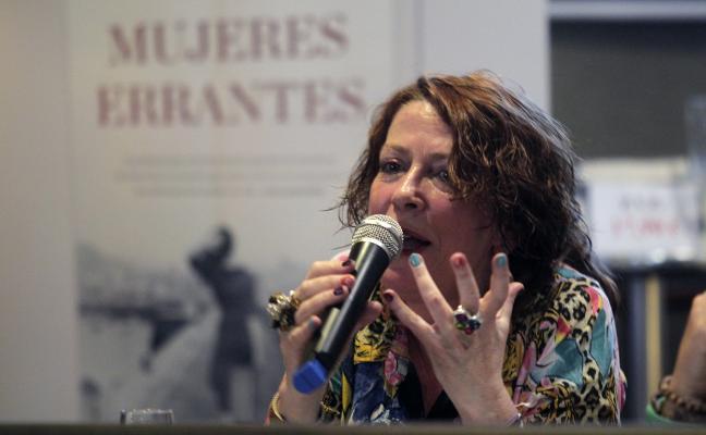 Pilar Sánchez Vicente recorre «medio siglo de historia de Gijón»