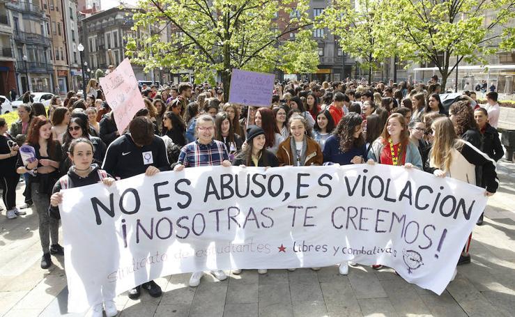 Los estudiantes asturianos protestan por la sentencia de 'La Manada'