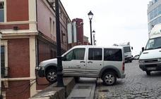 Cuesta abajo y sin freno, en el barrio de Cimavilla de Gijón