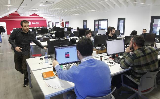 Las tecnológicas asturianas, obligadas a contratar cursos privados por falta de profesionales