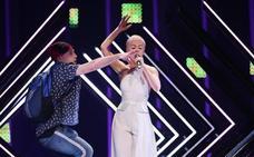 Un espontáneo intenta reventar la actuación de Reino Unido en Eurovisión