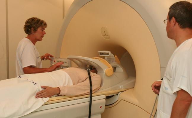 El área sanitaria tiene problemas para cubrir vacantes en diez especialidades médicas