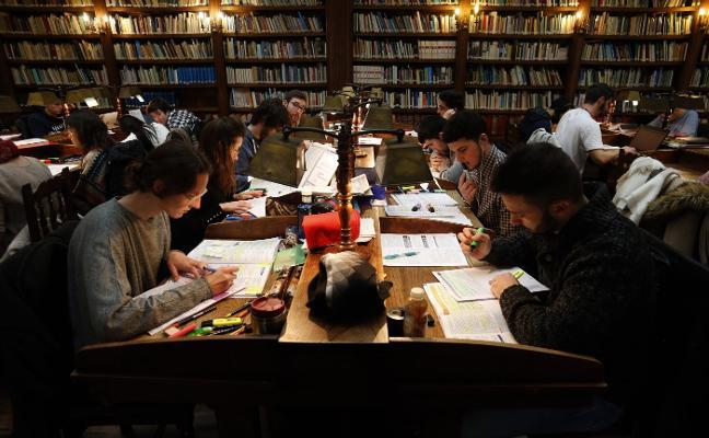 La Universidad amplía las ayudas de urgente necesidad hasta 1.500 euros por alumno