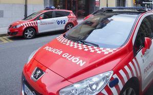 Detenido por pegar una patada y amenazar a su expareja en Gijón