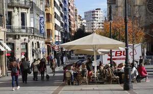 Poner más mesas de las autorizadas, principal motivo de sanción a las terrazas