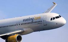 Los pasajeros del avión de Vueling a Barcelona, obligados a despegar desde Bilbao