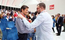 «Espero y deseo que sea presidente», asegura Fernández sobre Barbón