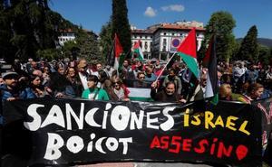 Concentración en Oviedo por la muerte de palestinos en Gaza