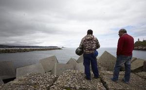 Los accidentes mortales obligan al Puerto de Avilés a multar a quienes accedan al espigón de San Juan