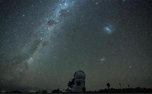 Localizan el agujero negro que crece más rápido en el Universo