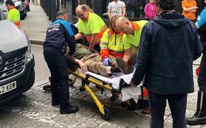 Herido un hombre tras ser atropellado en Gijón por una furgoneta que daba marcha atrás