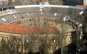SOS Viejo Hospital pide tirar la plaza de toros para construir el pabellón del Oviedo Baloncesto