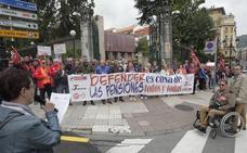Cientos de personas rodean el Banco de España contra el «robo» de pensiones