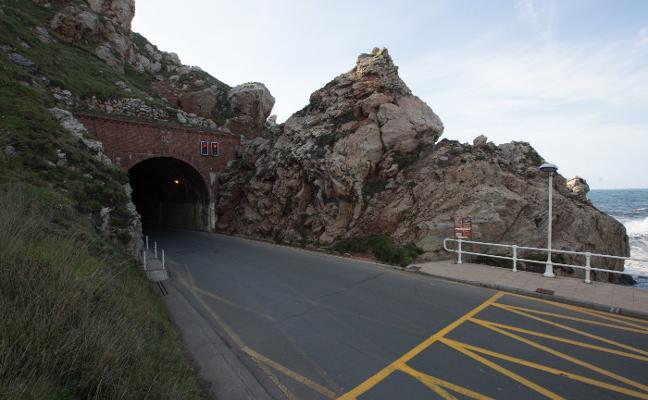 Patrimonio recomienda rehabilitar el túnel de Arnao para evitar desprendimientos