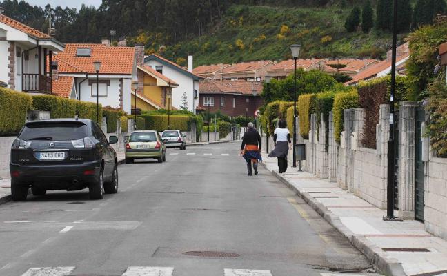 Las multas por los setos enfrentan a vecinos y Consistorio en Ribadesella