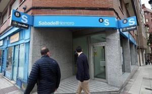 Detienen al atracador de 'la perilla', que asaltó dos bancos en Oviedo en menos de un mes