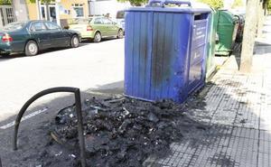 Queman un nuevo contenedor en el barrio de El Coto de Gijón