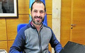 El alcalde y cinco técnicos darán forma al proyecto integral para Lugones