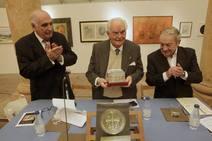 La Balesquida hace socio de honor a Santos Muñoz