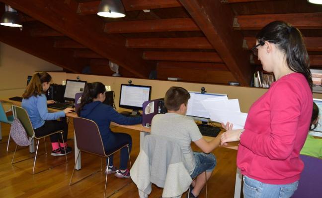 Cangas reivindica su etnografía y sus paisanos en internet