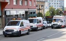 Heridos diez pasajeros de un autobús urbano tras un frenazo en la Cruz Roja