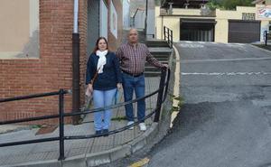 El PP de Tineo denuncia el estado «de abandono» de la calle Severo Ochoa