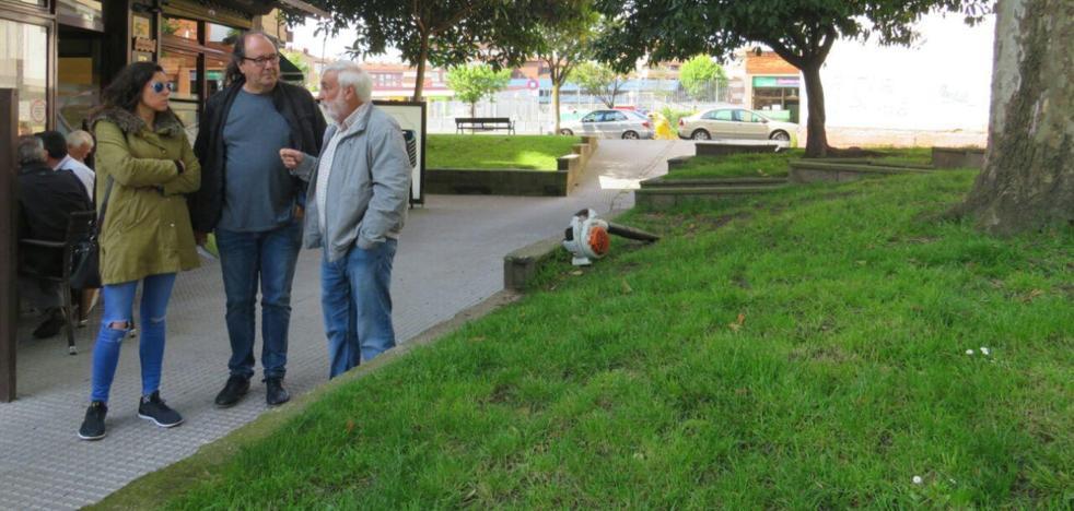Los vecinos de Pumarín reclaman el final de las obras en la calle Río Eo