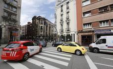 Arrestado un hombre con tres órdenes de detención tras una persecución policial en Gijón