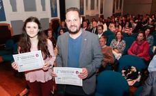 Noel Tuñón y Claudia Villahoz reciben el premio Rosario de Acuña