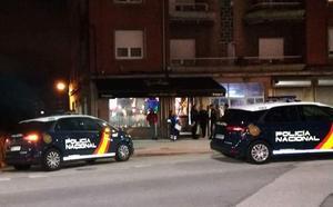El juez envía a la cárcel al peluquero avilesino que disparó a otro vecino en un bar