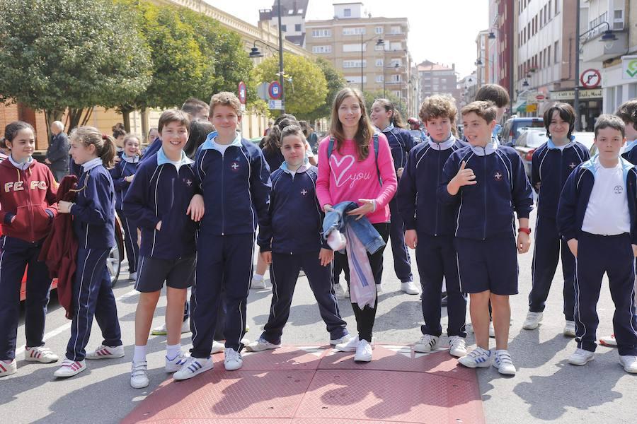 Una romería pone fin a las fiestas de las Dominicas en Gijón
