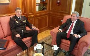 Marín se reúne con el nuevo jefe superior de Policía de Asturias