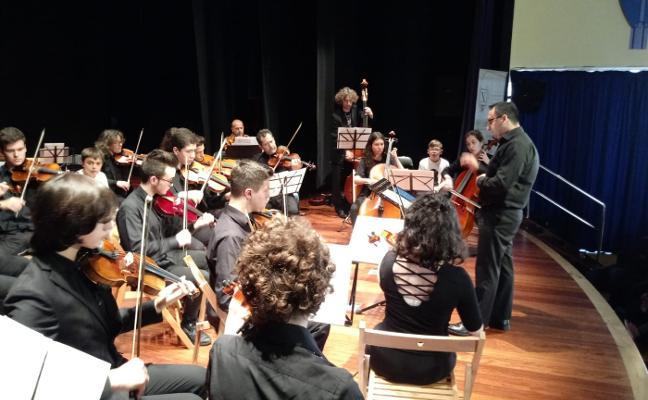 400 alumnos de Oscos-Eo asisten a los conciertos del X Foro Comunicación