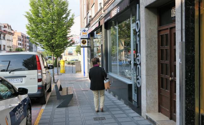 Comerciantes de Lugones piden unificar el periodo de rebajas ante las «nefastas» ventas