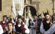 La Virgen de la Esperanza regresa a su capilla
