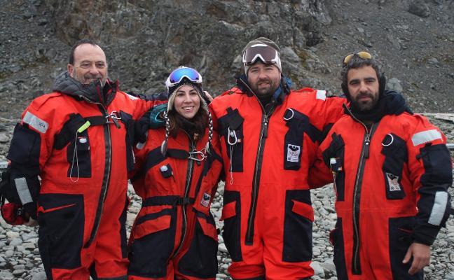 Más de cien kilos de roca antártica para examinar