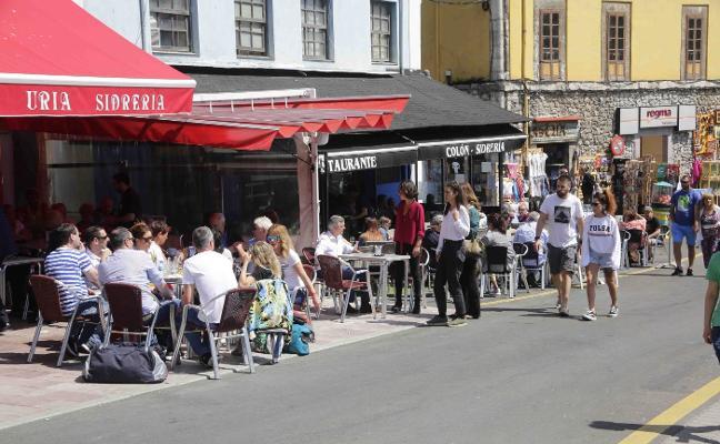 «La segunda vivienda deja turismo todo el año», defiende el sector en Llanes