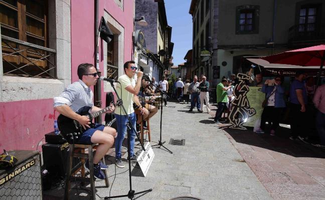 Llanes saca la música a la calle