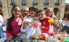 Más de 400 estudiantes exponen sus proyectos en el Mercado de Cooperativas Escolares de Avilés