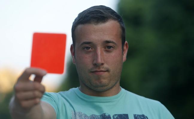 El Ribadesella expulsa a un cadete por amenazar y agredir al árbitro