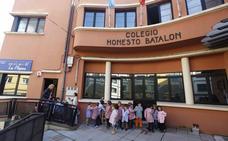 Cimavilla se concentra mañana para que se arregle la pista del colegio Honesto Batalón