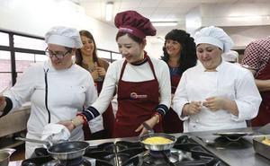 Cinco millones de chinos aprenderán a cocinar casadielles