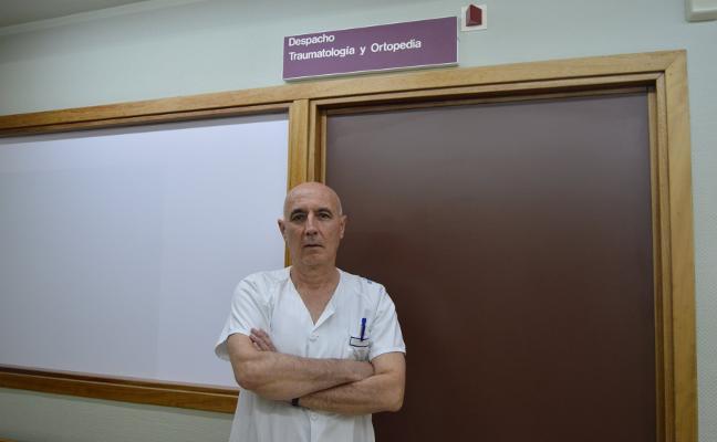 «Si me llego a jubilar, el servicio de traumatología se habría cerrado varios meses»