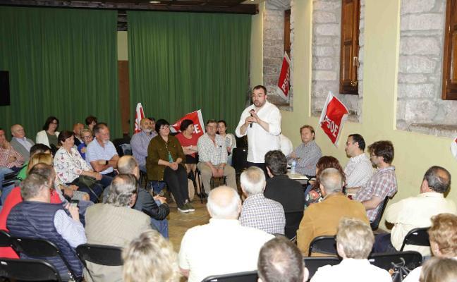 Barbón se reúne con la militancia del PSOE