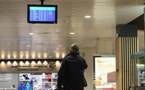 El aeropuerto de Asturias amplía su horario y abrirá a las siete a partir del 1 de junio