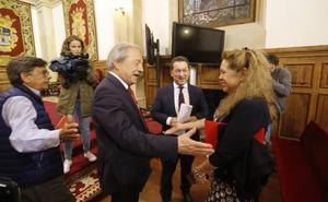 Susana Rivera: «Me encantaría que el legado de Ángel González estuviera en la Universidad, pero antes se tiene que limpiar mi nombre»