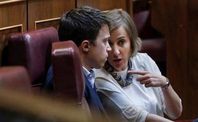 Bronca de Ana Pastor a los diputados al ver a Tania Sánchez comer en el Pleno del Congreso