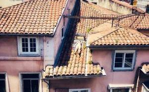 Una mujer se juega la vida en Santander para ponerse morena