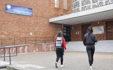 La Policía no aprecia hasta el momento delito en la presunta relación entre una profesora y un alumno de Gijón