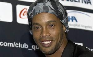 Ronaldinho se casará con dos mujeres en agosto